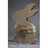 Drewniany zajączek do postawienia z sercem, siedzący, brąz